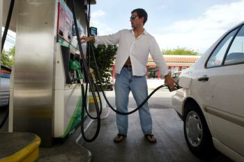 The Proper Way To Pump Gas A Guide For New Jerseyans