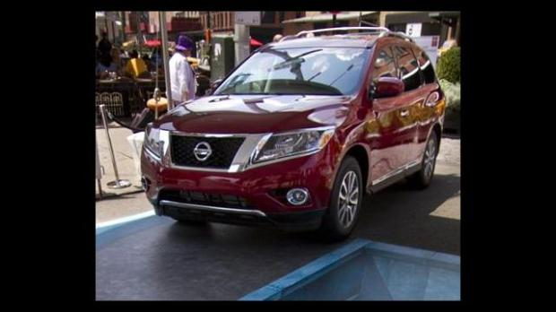 2013 Nissan Pathfinder Goes from SUV to Crossover
